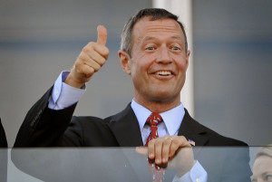 BALTIMORE, MD --5/15/10-- Maryland Gov. Martin O'Malley gives the thumb up right before the start of the 135th running of the Preakness Stakes.  PHOTO BY:Kenneth K. Lam [Baltimore Sun staff] #2477   MANDATORY CREDIT:  Baltimore Examiner and Washington Examiner OUT ORG XMIT: BAL1005152007330720